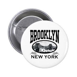 Brooklyn Pin Redondo De 2 Pulgadas