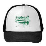 Brooklyn pintó el gorra verde