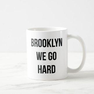 Brooklyn vamos difícilmente taza básica blanca