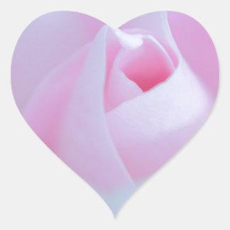 Brote color de rosa rosado creado por Tutti Pegatina En Forma De Corazón