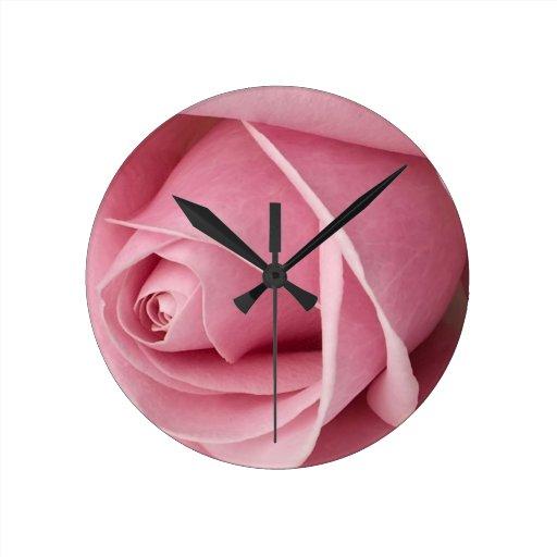 Brote color de rosa rosado precioso relojes