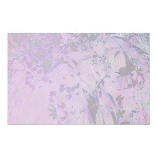 Brotes y efectos de escritorio púrpuras pálidos de  papeleria