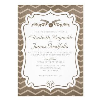 Brown Chevron raya invitaciones del boda