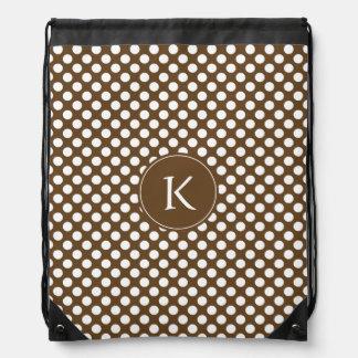 Brown con monograma y lunar blanco mochila