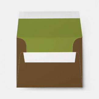 Brown con seña preimpresa de encargo y sobre verde