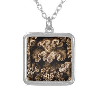 Brown en coral negro colgante cuadrado