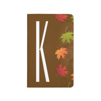 Brown, naranja, rojo, y otoño del verde, hojas de cuaderno