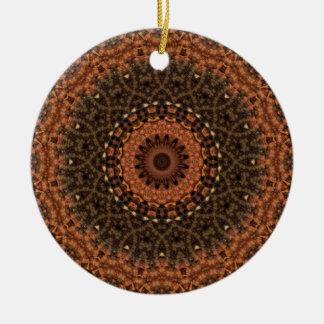 """Brown """"paseo en caleidoscopio de la mandala de adorno navideño redondo de cerámica"""