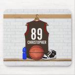 Brown personalizado y jersey rojo del baloncesto alfombrilla de ratón