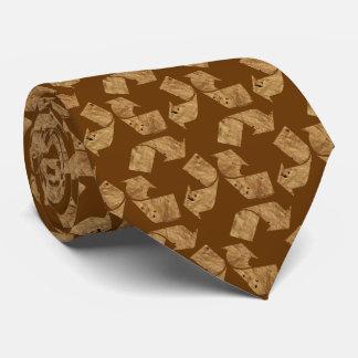 Brown recicla la muestra corbata