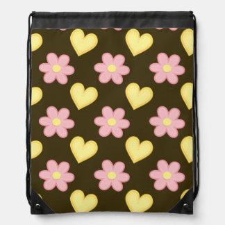 Brown, rosa, y corazones y flores cosidos amarillo mochila