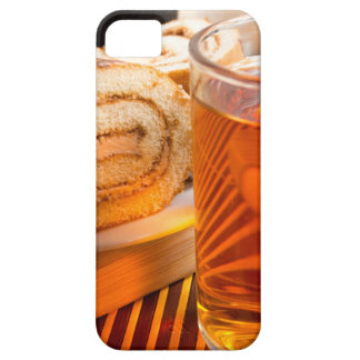 Brown sponge cake and cup of hot tea iPhone SE/5/5s case