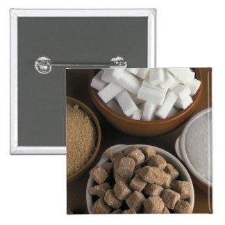 Brown y azúcares blancos en cubos y polvo pin cuadrado