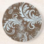 Brown y flores retras azules y diseño de los remol posavaso para bebida