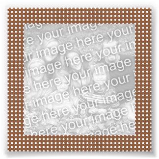 Brown y foto blanca del marco de los puntos