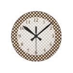 Brown y lunar blanco reloj