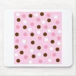 Brown y lunares rosados tapete de raton