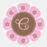 Brown y monograma rosado C Etiqueta Redonda