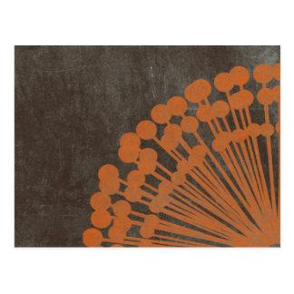 Brown y naranja apenados postal