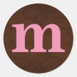 Brown y pegatinas rosados del monograma