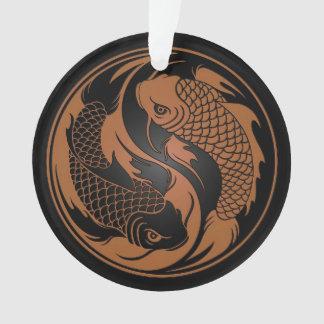 Brown y pescados negros de Yin Yang Koi