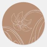 Brown y sellos del sobre del boda o etiquetas pegatina redonda