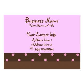 """Brown y tarjetas de visita """"rechonchas"""" rosadas"""