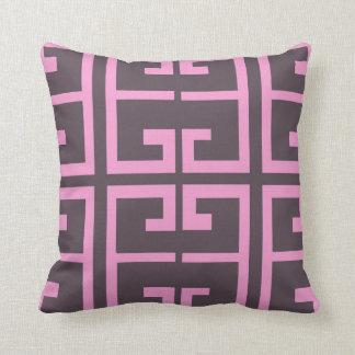 Brown y teja rosada cojín decorativo