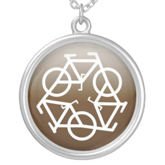 Browns recycle symbol round pendant necklace