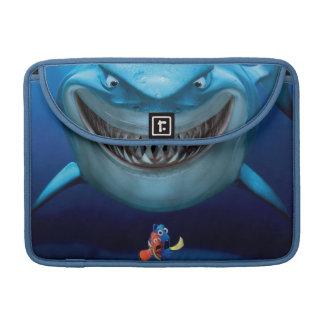 Bruce, Nemo y Dory 2 Fundas Para Macbooks