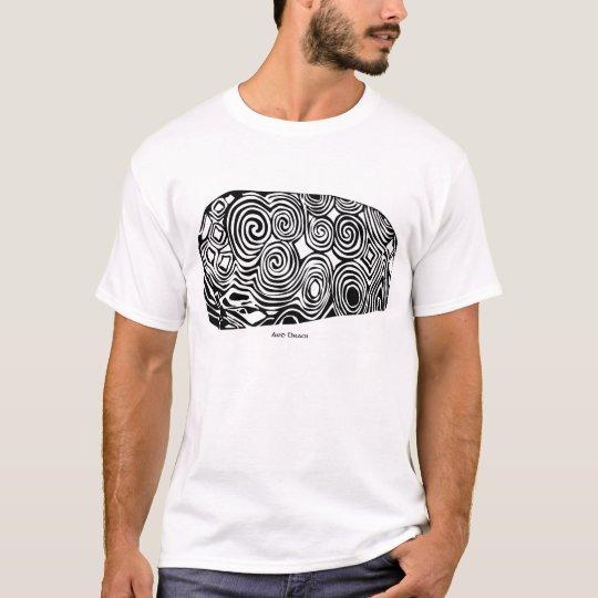 Brugh na Bóinne headstone T-Shirt