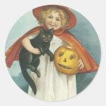 Bruja alegre pasada de moda de Halloween pequeña Pegatina Redonda