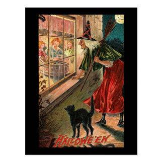 Bruja de Halloween con el gato Postales