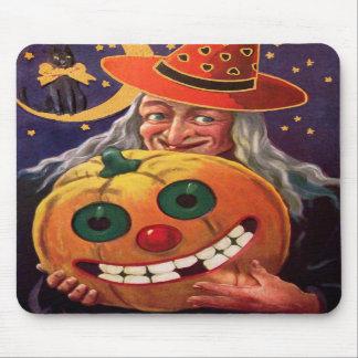 Bruja de Halloween con la calabaza divertida Tapete De Ratón