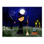 Bruja de Halloween con la caldera Tarjetas Postales