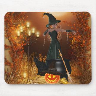 Bruja de Halloween del otoño Tapete De Ratón