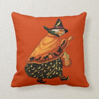 Bruja de Halloween del vintage vieja Cojín