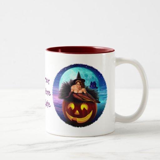 """""""Bruja de Halloween """" Taza De Dos Tonos"""