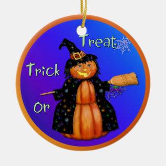 Bruja de la calabaza de Halloween Adorno De Navidad