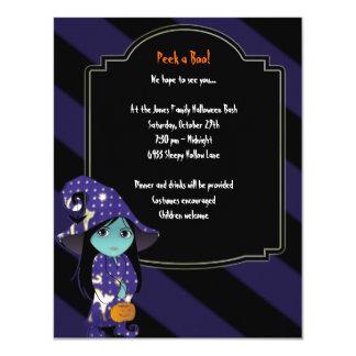 Bruja de Lil en la invitación azul de Halloween