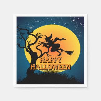 Bruja del fiesta de Halloween en un palo de escoba Servilletas Desechables