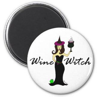 Bruja del vino redonda iman de nevera
