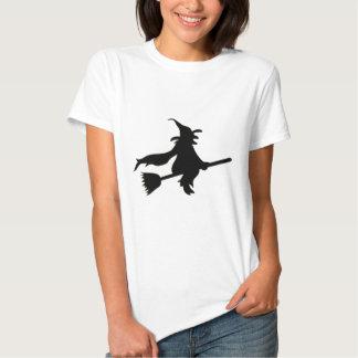 """""""Bruja del vuelo """" Camisas"""