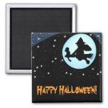 Bruja del vuelo del feliz Halloween e imán del mon