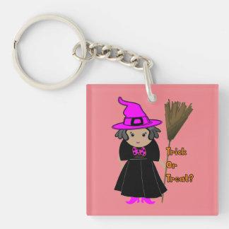 Bruja divertida en el gorra rosado - favores de llavero cuadrado acrílico a doble cara