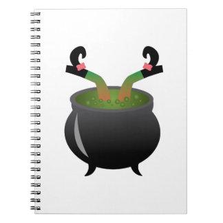 Bruja en caldera cuaderno