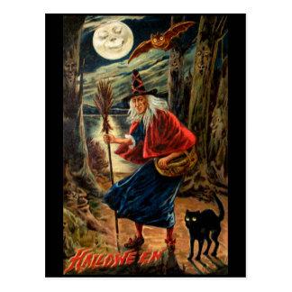 Bruja en la noche de Halloween Postales