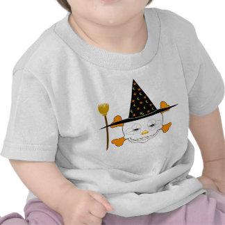 Bruja linda del cráneo del bebé camisetas