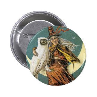 Bruja pasada de moda de Halloween y la luna Pin Redondo 5 Cm
