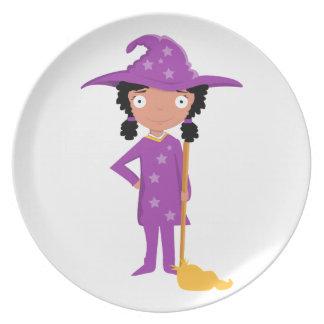 Bruja púrpura linda platos para fiestas